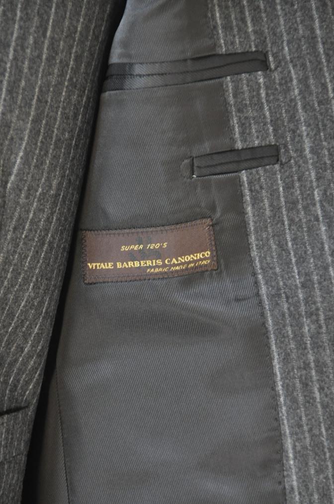 DSC3081 お客様のスーツの紹介-CANONICO チャコールグレーフランネルストライプ-