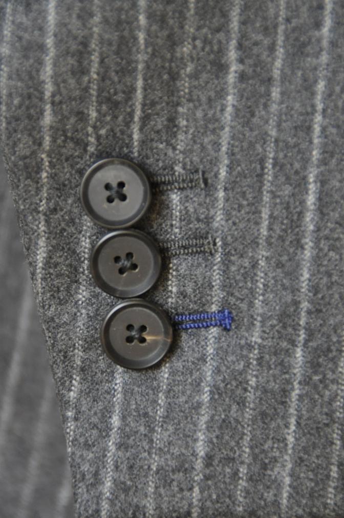 DSC3088 お客様のスーツの紹介-CANONICO チャコールグレーフランネルストライプ-