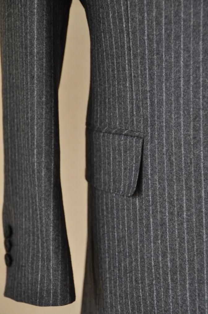 DSC3090 お客様のスーツの紹介-CANONICO チャコールグレーフランネルストライプ-