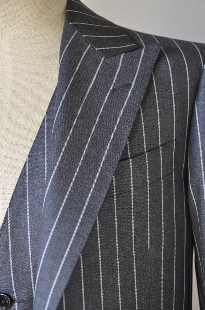 DSC3102 お客様のスーツの紹介-BIELLESI グレーストライプ スリーピース-