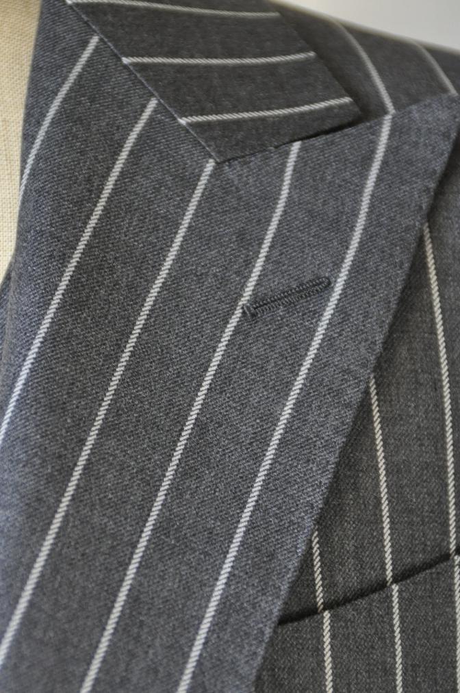 DSC3103 お客様のスーツの紹介-BIELLESI グレーストライプ スリーピース-