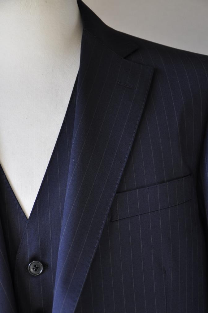 DSC3115 お客様のスーツの紹介-BIELLESI ネイビーストライプ スリーピース