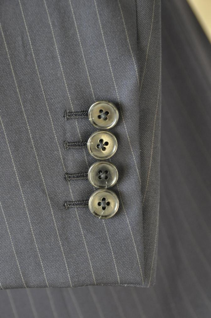 DSC3119 お客様のスーツの紹介-BIELLESI ネイビーストライプ スリーピース