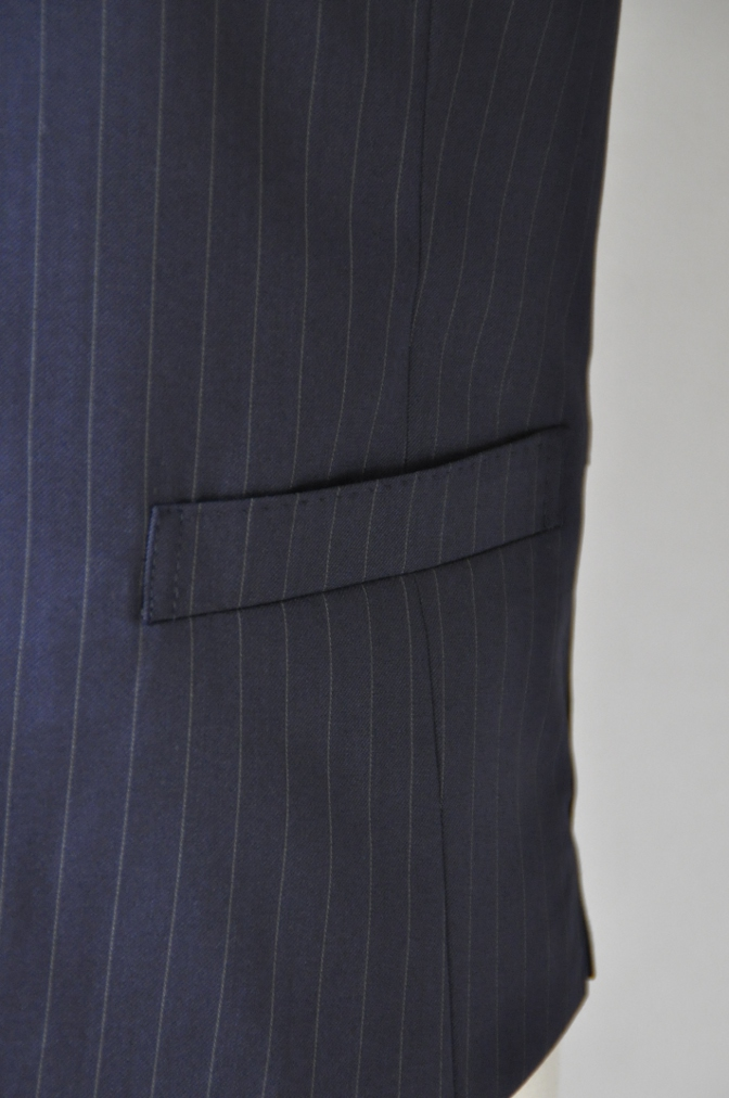 DSC3127 お客様のスーツの紹介-BIELLESI ネイビーストライプ スリーピース