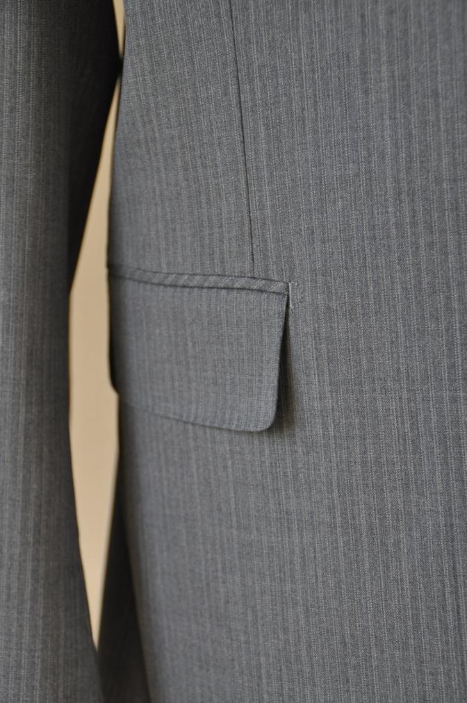 DSC3137 お客様のスーツの紹介-グレーストライプ-