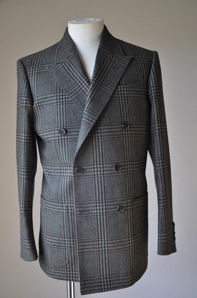 DSC3150 お客様のスーツの紹介-TALLIA DI DELFINO グリーンチェックダブルスーツ-