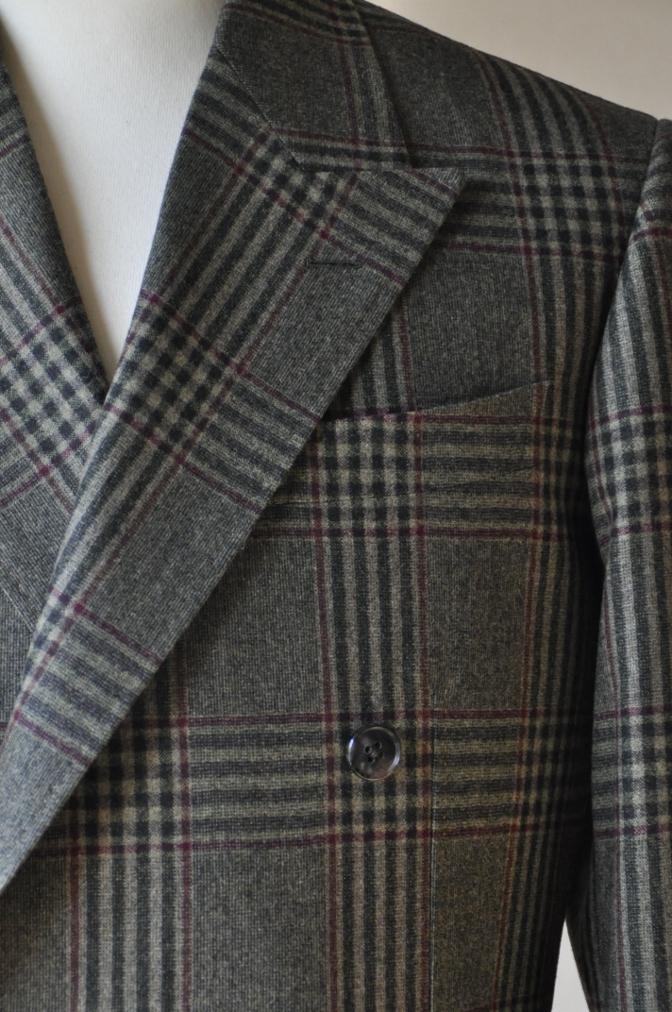 DSC3151 お客様のスーツの紹介-TALLIA DI DELFINO グリーンチェックダブルスーツ-