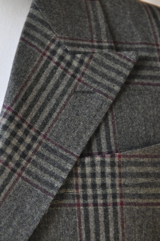 DSC3152 お客様のスーツの紹介-TALLIA DI DELFINO グリーンチェックダブルスーツ-