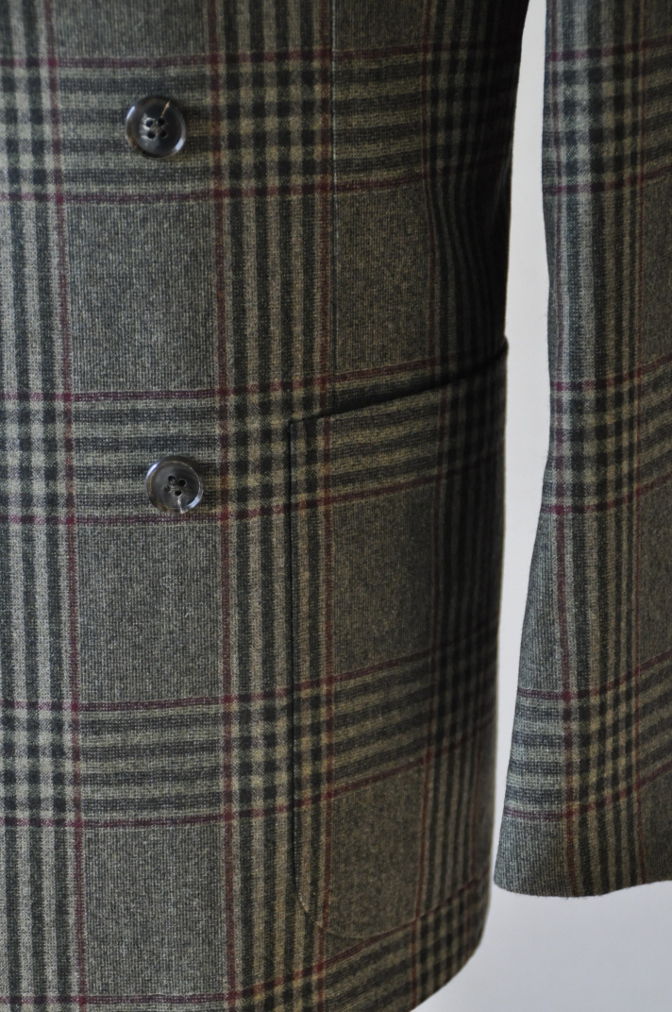 DSC3157 お客様のスーツの紹介-TALLIA DI DELFINO グリーンチェックダブルスーツ-