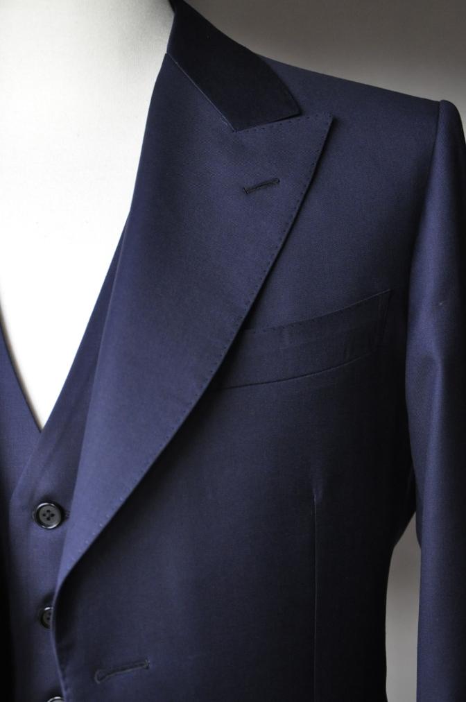 DSC3172 お客様のスーツの紹介-TALLIA  DI  DELFINO ネイビースリーピース-