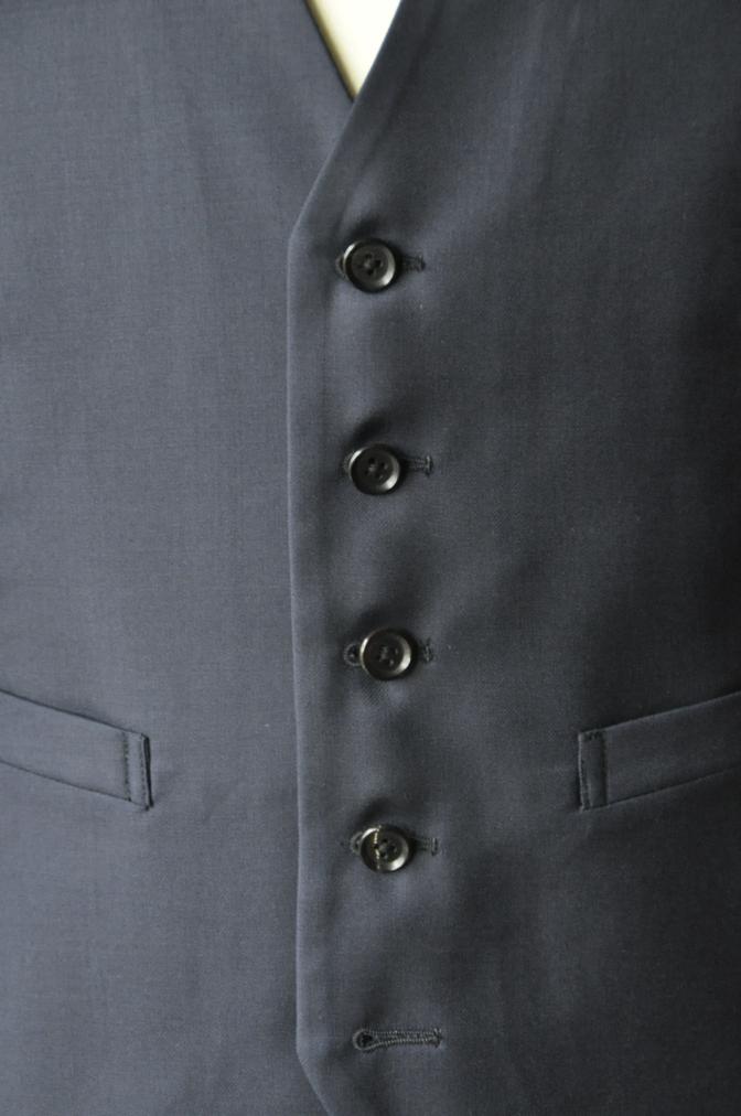 DSC3184 お客様のスーツの紹介-TALLIA  DI  DELFINO ネイビースリーピース-