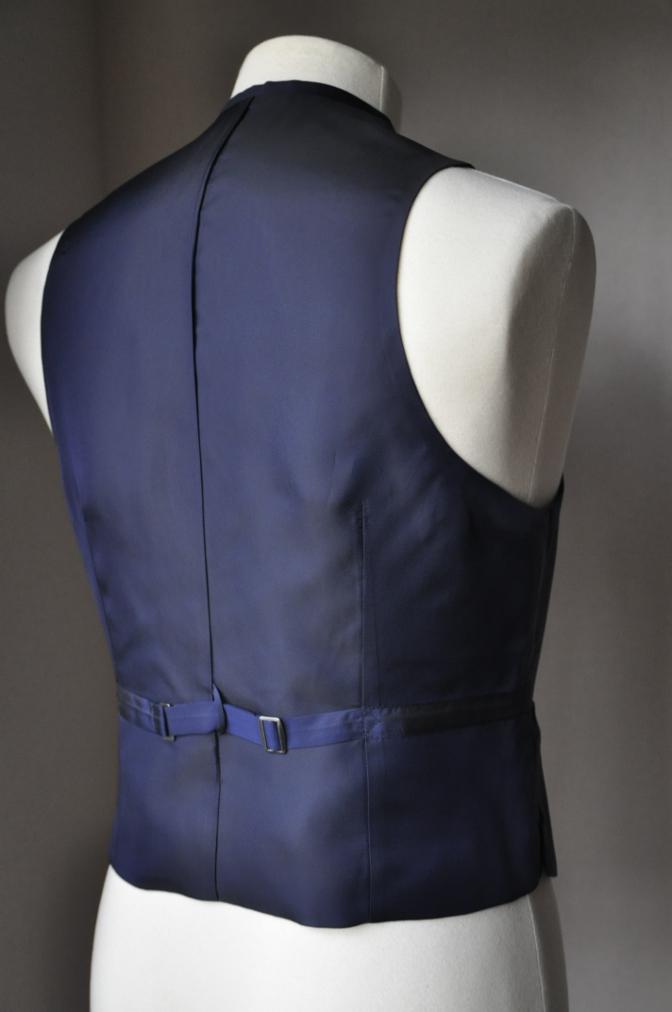 DSC3185 お客様のスーツの紹介-TALLIA  DI  DELFINO ネイビースリーピース-
