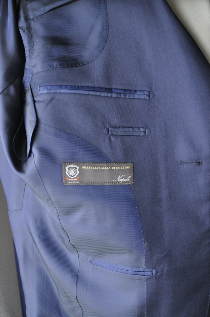 DSC3189 お客様のスーツの紹介-TALLIA  DI  DELFINO ネイビースリーピース-