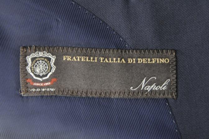 DSC3190 お客様のスーツの紹介-TALLIA  DI  DELFINO ネイビースリーピース-