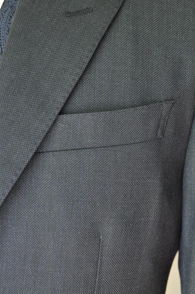 DSC32141 お客様のウエディング用衣装の紹介-BIELLESIネイビーS上下+ペイズリーベスト-