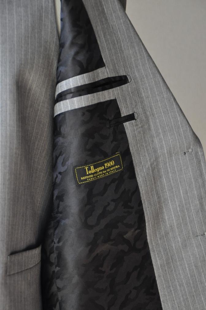 DSC3215 お客様のスーツの紹介-TOLLEGNO ライトグレーストライプ-