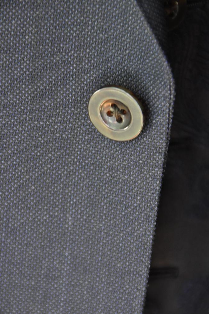 DSC32161 お客様のウエディング用衣装の紹介-BIELLESIネイビーS上下+ペイズリーベスト-