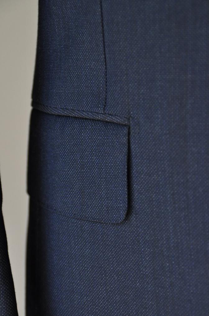 DSC32191 お客様のウエディング用衣装の紹介-BIELLESIネイビーS上下+ペイズリーベスト-