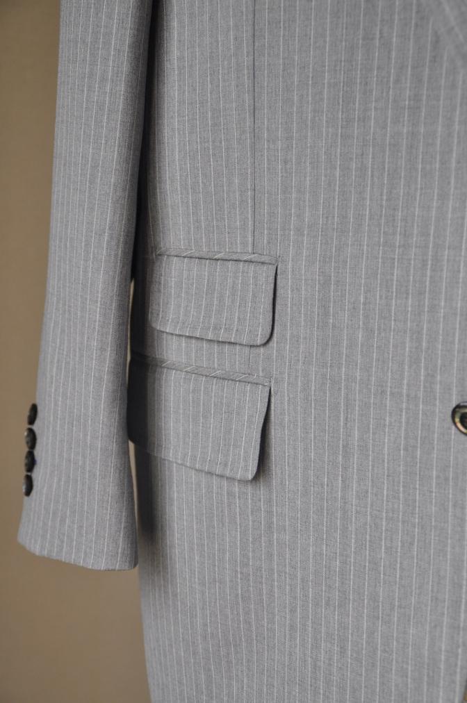 DSC3221 お客様のスーツの紹介-TOLLEGNO ライトグレーストライプ-