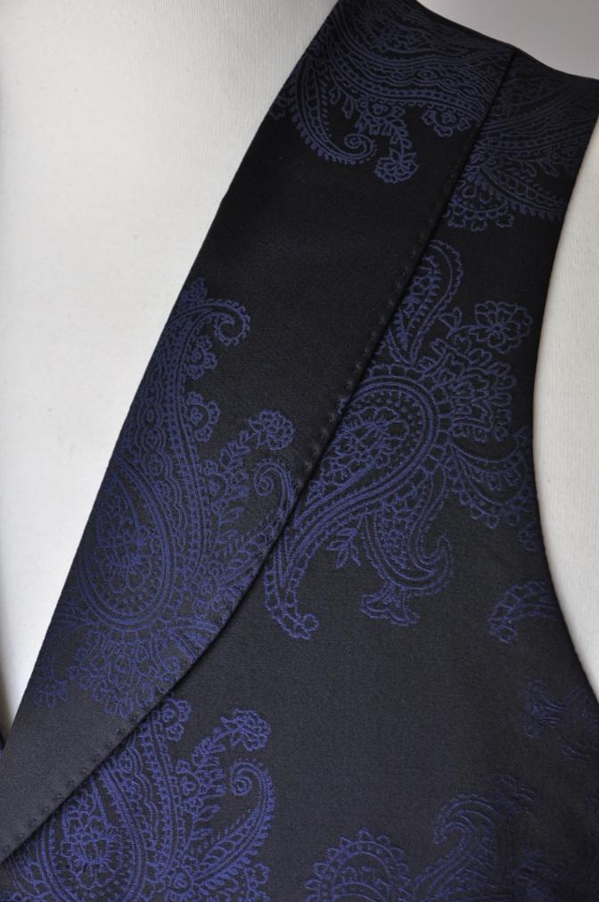 DSC32261 お客様のウエディング用衣装の紹介-BIELLESIネイビーS上下+ペイズリーベスト-