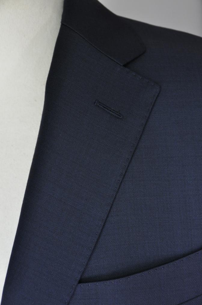 DSC32371 お客様のスーツの紹介-CANONICO 無地ネイビースーツ-