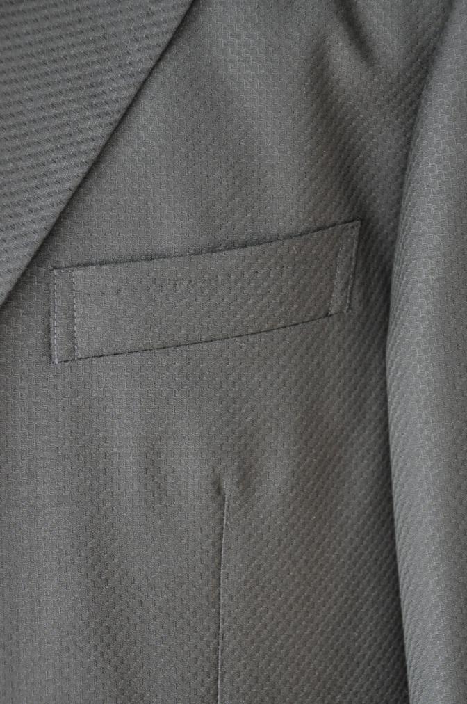 DSC3239 お客様のスーツの紹介-BIELLESI ブラックスリーピース-