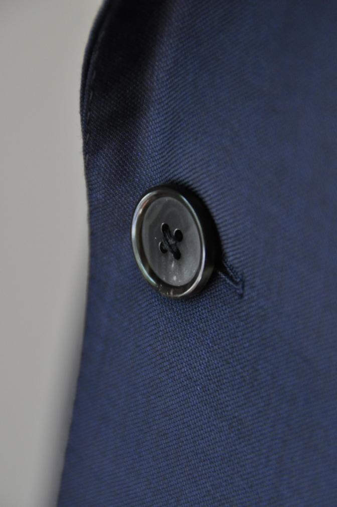 DSC32391 お客様のスーツの紹介-CANONICO 無地ネイビースーツ-