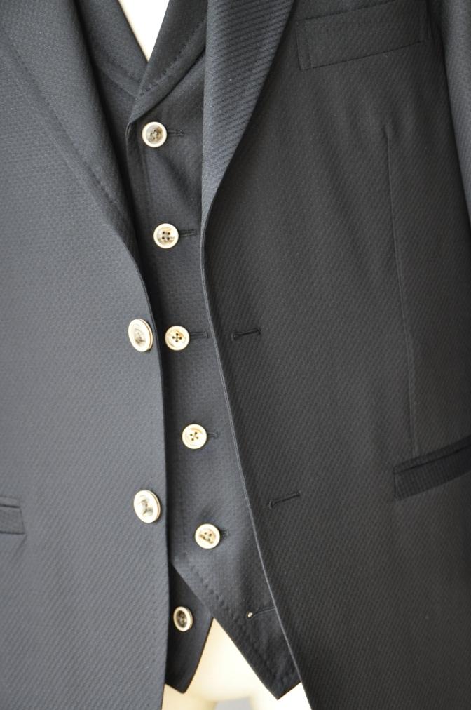DSC3242 お客様のスーツの紹介-BIELLESI ブラックスリーピース-