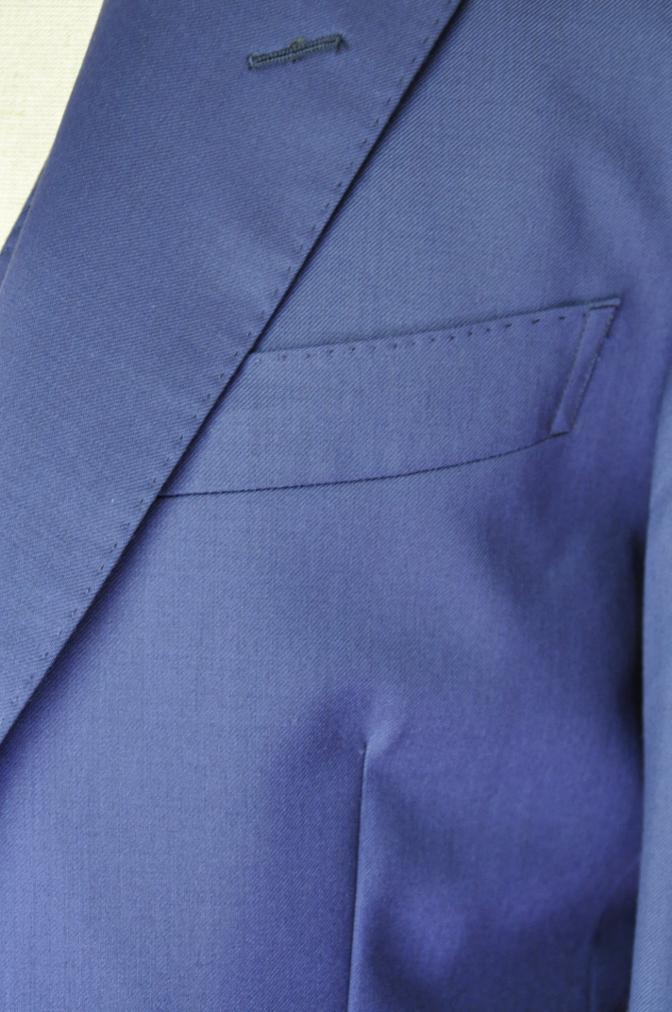 DSC3250 お客様のウエディング衣装の紹介-BIELLESI無地ネイビースリーピース-