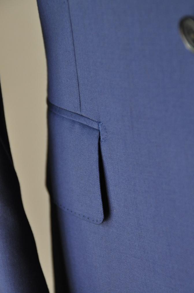DSC32521 お客様のウエディング衣装の紹介-BIELLESI無地ネイビースリーピース-
