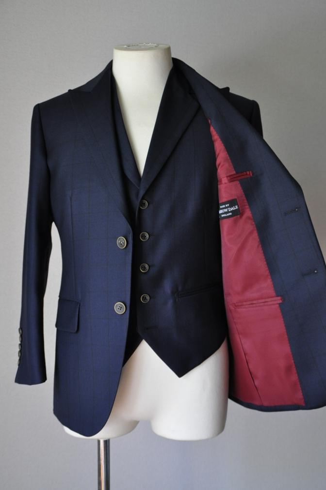 DSC3258 お客様のスーツの紹介-DARROW DALEネイビーウィンドペーンスリーピース- 名古屋の完全予約制オーダースーツ専門店DEFFERT