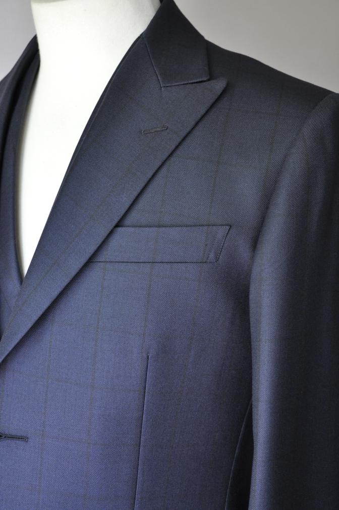DSC32621 お客様のスーツの紹介-DARROW DALEネイビーウィンドペーンスリーピース-