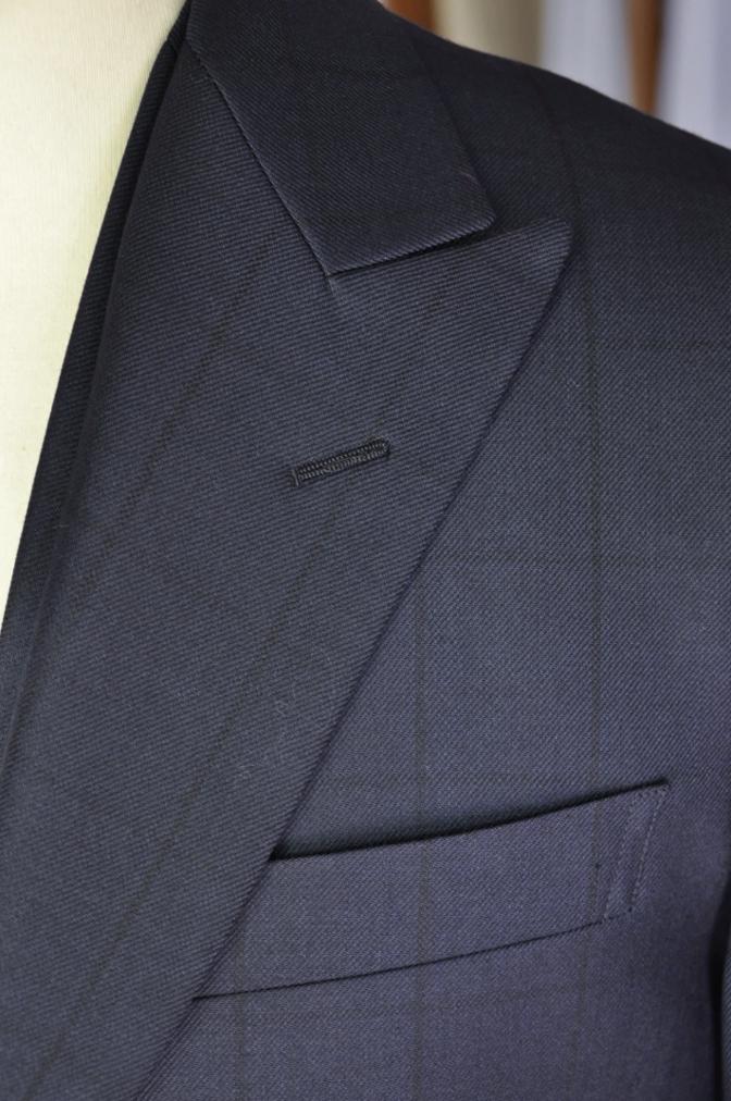 DSC32631 お客様のスーツの紹介-DARROW DALEネイビーウィンドペーンスリーピース- 名古屋の完全予約制オーダースーツ専門店DEFFERT
