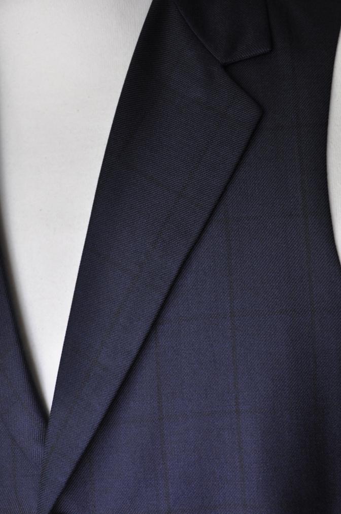 DSC32711 お客様のスーツの紹介-DARROW DALEネイビーウィンドペーンスリーピース-