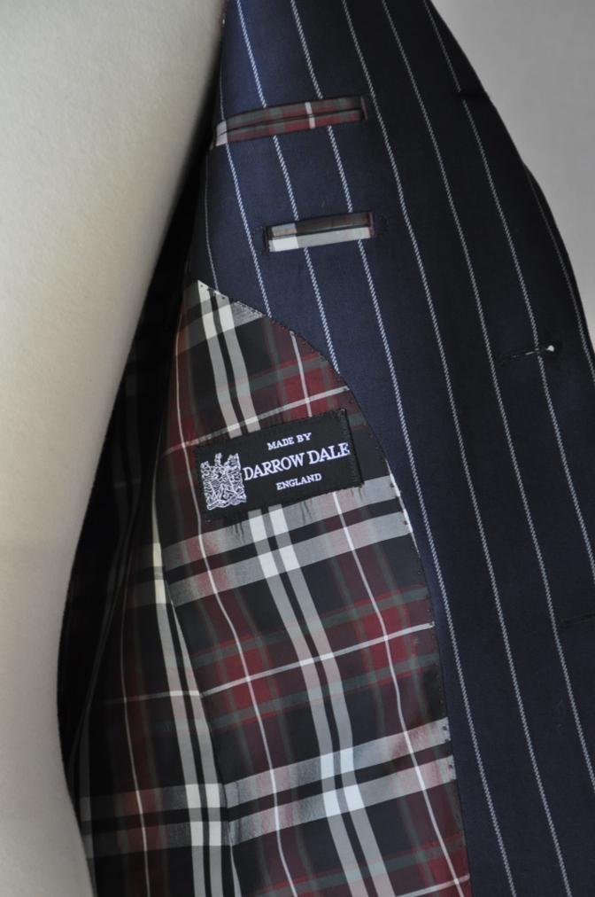 DSC3282 お客様のスーツの紹介-DARROW DALE ネイビーストライプ-