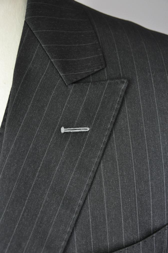 DSC32832 お客様のスーツの紹介-BIELLESI チャコールグレーストライプ スリーピース-