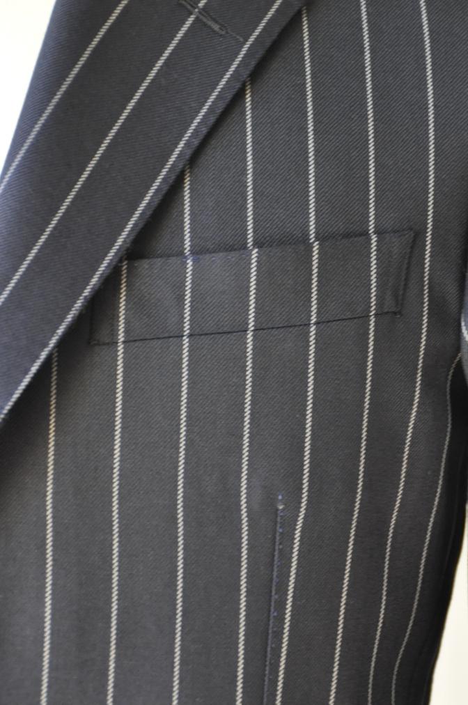 DSC3285 お客様のスーツの紹介-DARROW DALE ネイビーストライプ-