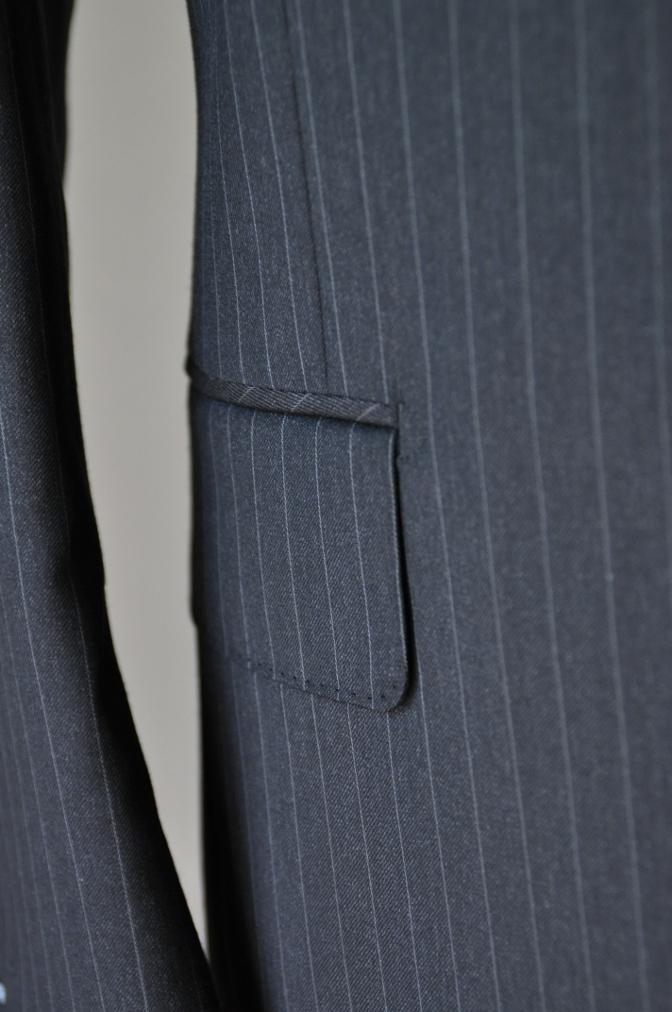 DSC32871 お客様のスーツの紹介-BIELLESI チャコールグレーストライプ スリーピース-