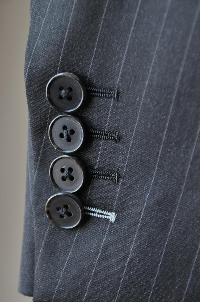 DSC32881 お客様のスーツの紹介-BIELLESI チャコールグレーストライプ スリーピース-