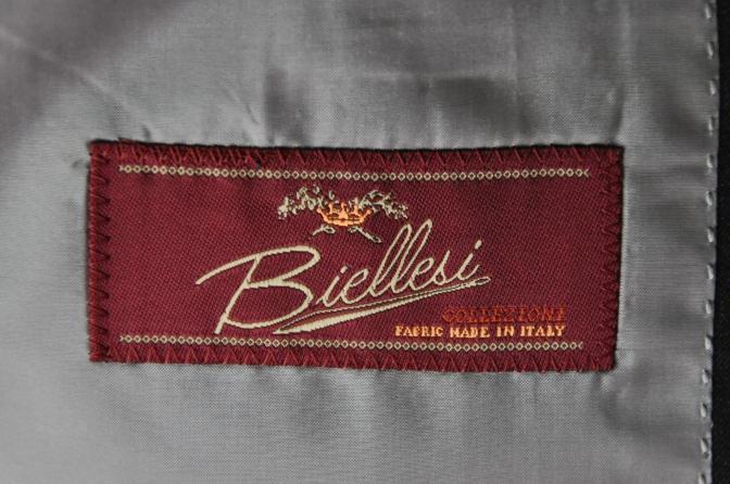 DSC32891 お客様のスーツの紹介-BIELLESI チャコールグレーストライプ スリーピース-