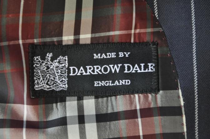 DSC3292 お客様のスーツの紹介-DARROW DALE ネイビーストライプ-