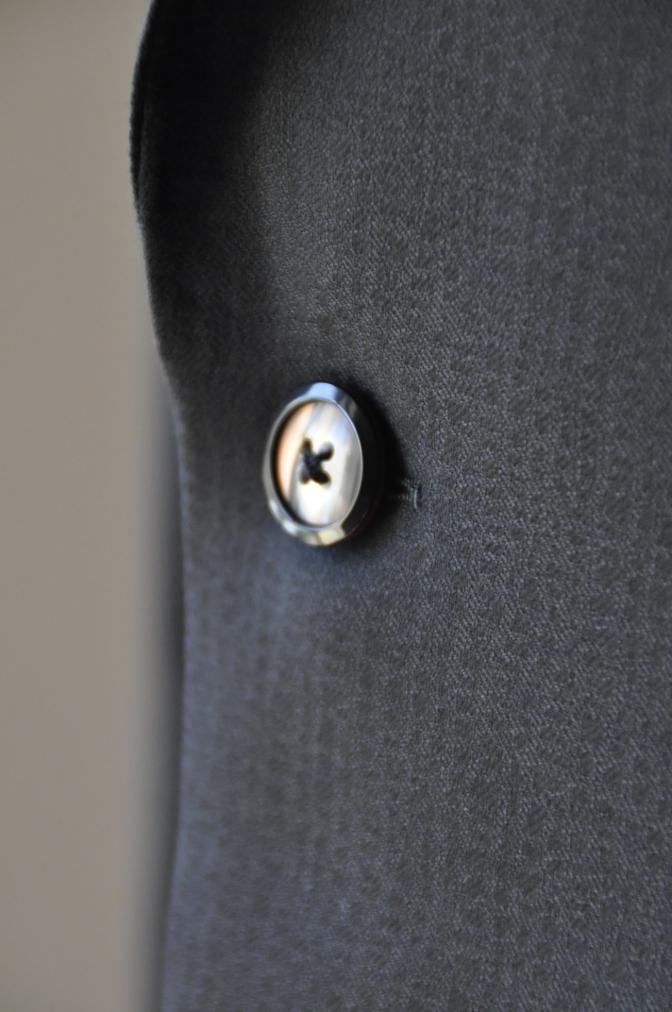DSC3357 お客様のスーツの紹介-COLLEZIONI BIELLESI ブラック-