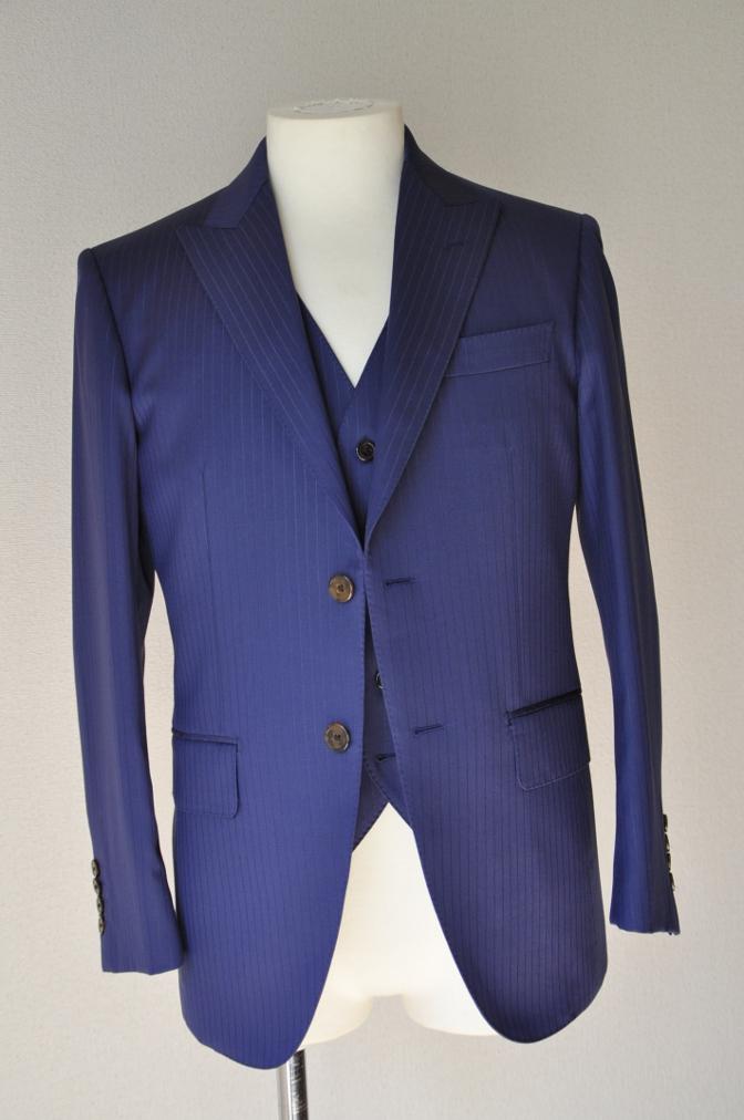 DSC3359 お客様のスーツの紹介-BIELLESI ネイビーストライプ スリーピース-