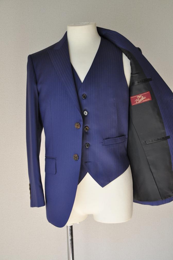 DSC33601 お客様のスーツの紹介-BIELLESI ネイビーストライプ スリーピース-