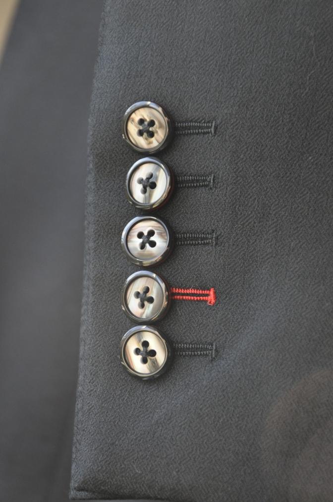 DSC3361 お客様のスーツの紹介-COLLEZIONI BIELLESI ブラック-