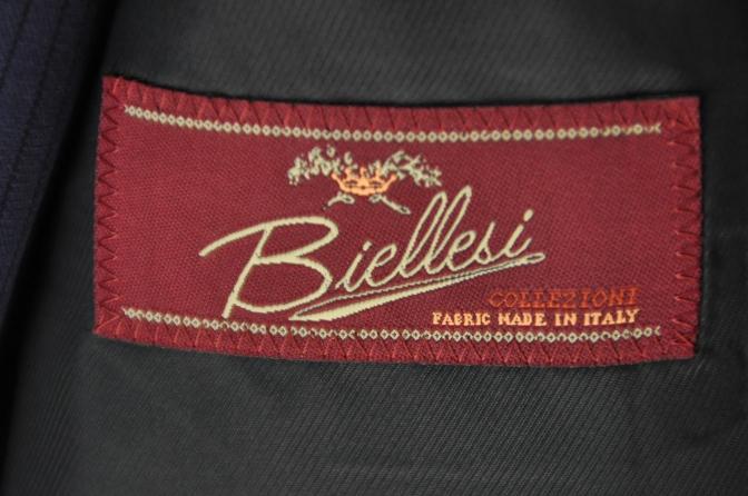 DSC3363 お客様のスーツの紹介-BIELLESI ネイビーストライプ スリーピース-