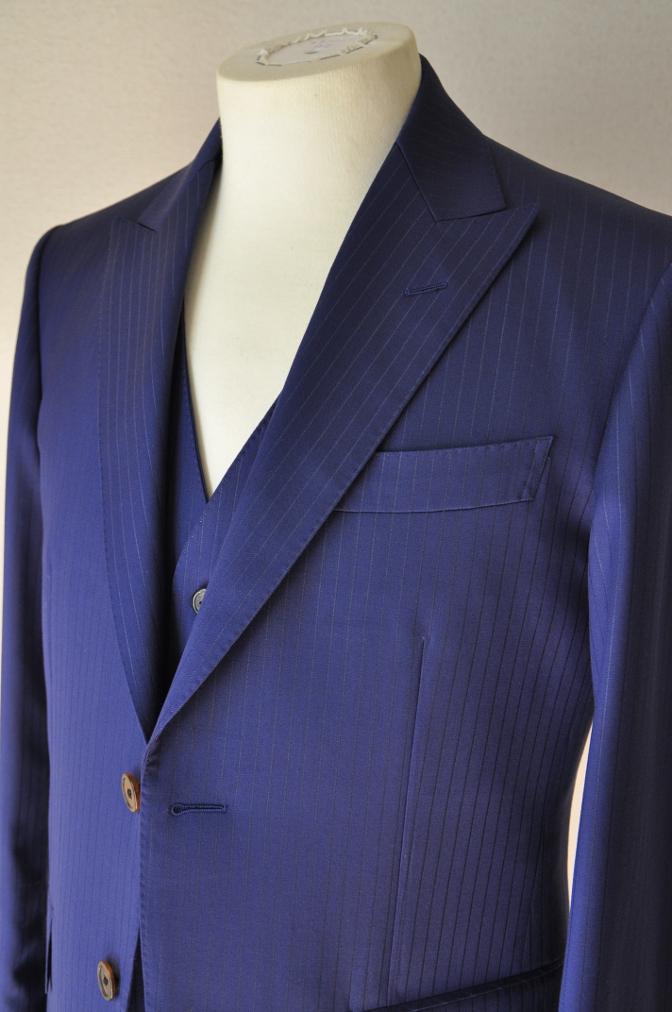 DSC3364 お客様のスーツの紹介-BIELLESI ネイビーストライプ スリーピース-