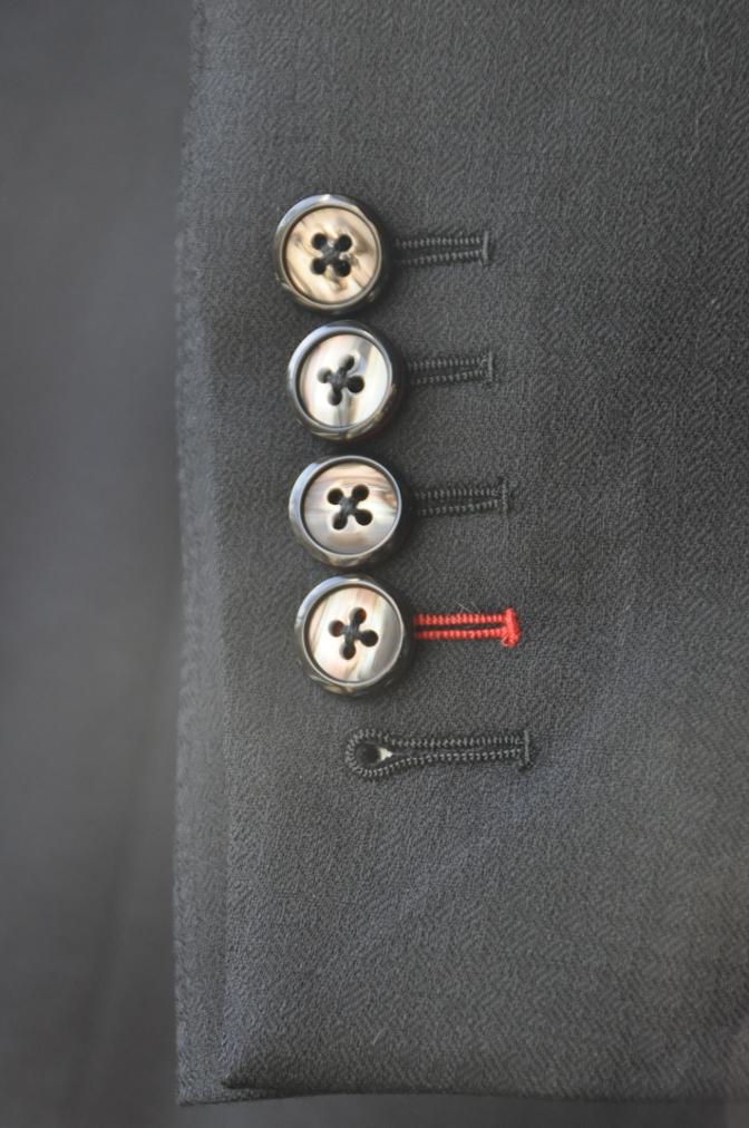 DSC3365 お客様のスーツの紹介-COLLEZIONI BIELLESI ブラック-