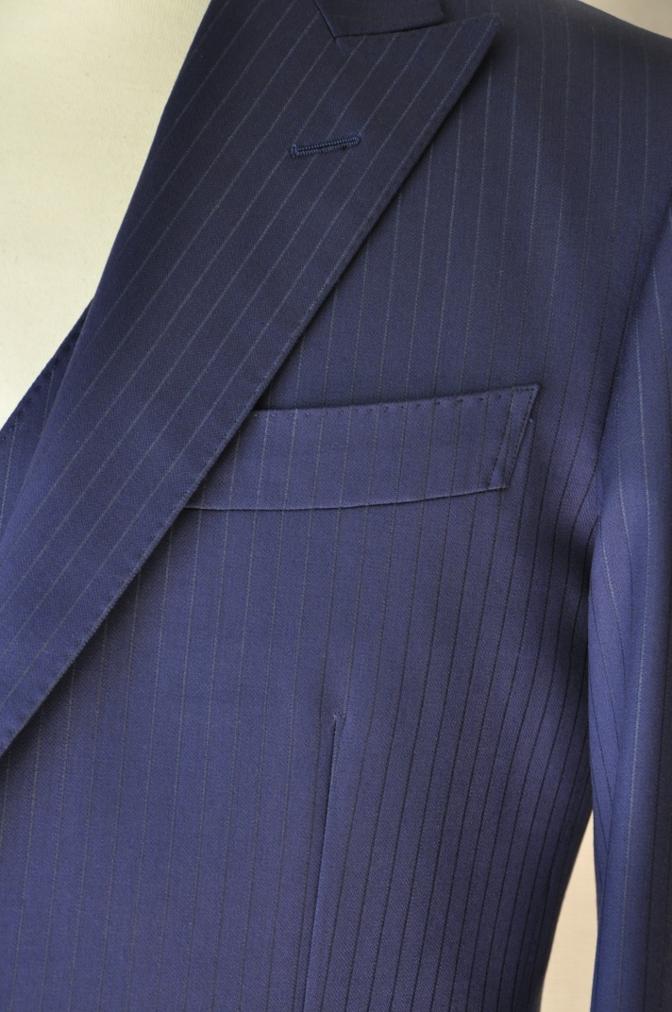 DSC3366 お客様のスーツの紹介-BIELLESI ネイビーストライプ スリーピース-