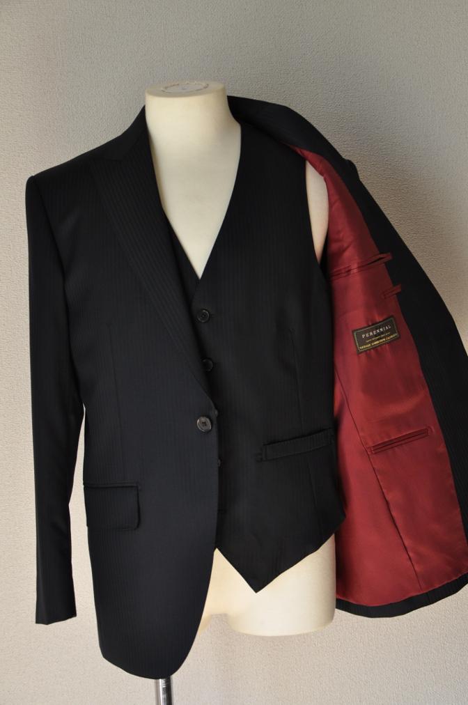 DSC3381 お客様のスーツの紹介-CANONICO ブラックシャドーストライプスリーピース-